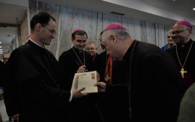 Obispos de Europa visitan el Centro Internacional de Acogida al Peregrino